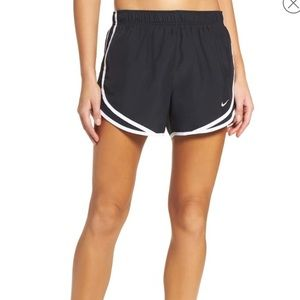 Nike Tempo Short, Black/White, S